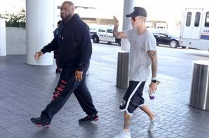 Justin Bieber arrivant à l'aéroport de LAX à Los Angeles, en Californie.