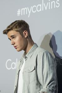 Justin Bieber trés sexy à l'événement de Calvin Klein à Hong Kong