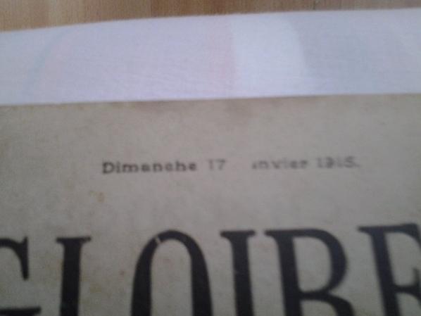 """journaux """"Pages De Gloire""""."""