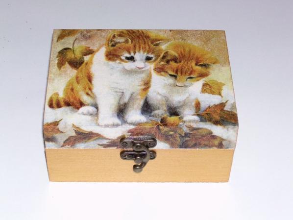 boîte a bijoux chat roux décorée en serviettage