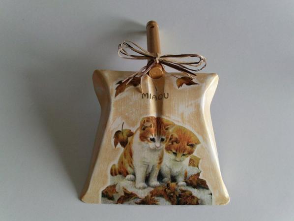 pelle décorée en serviettage chat roux