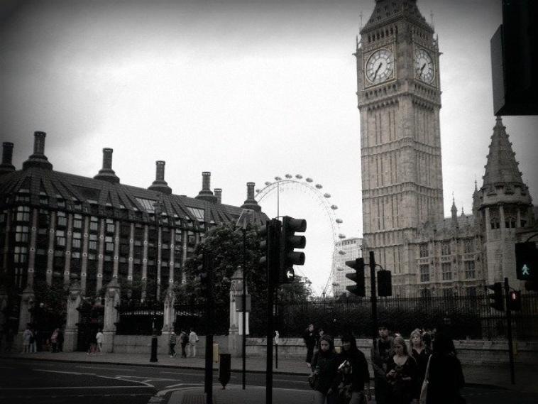 #103//  einmal London bitte...
