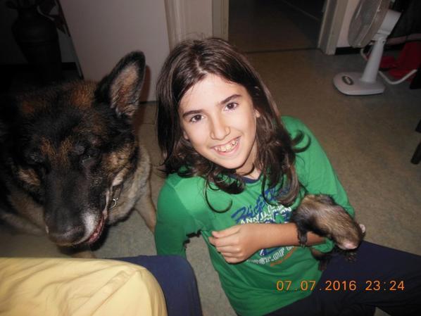 Mon petit c½ur avec ma chienne et le furet de mon grand