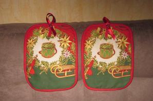 Encore deux paires de maniques pour Noël faites avec le tissu Réminiscence !