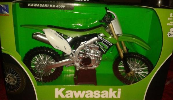 UNE VERTE !!! - KAWASAKI KXF- CROSS ECHELLE 1/12.