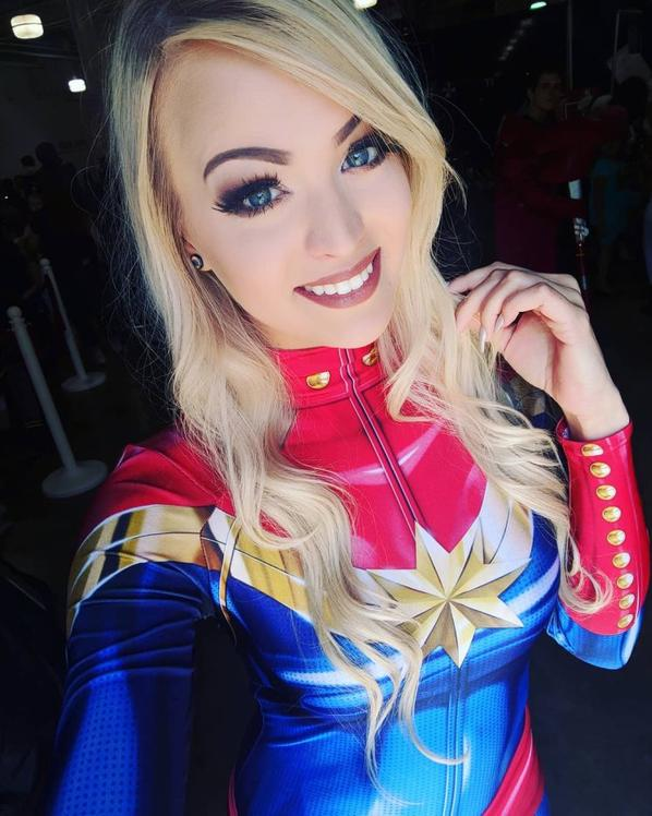 Cosplay Captain Marvel (Marvel)