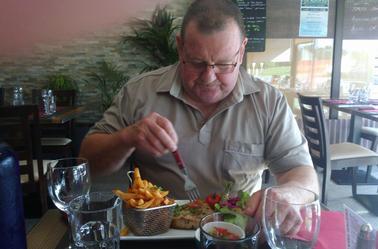 """nous avons mangé poissons toute la semaine sauf samedi.......dans un restaurant hyper sympa """" la riviera"""""""