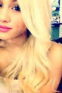 Cheveux Ariana Grande:Quelle couleur adopter ?
