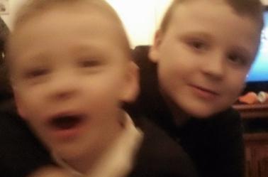 QUELQUES PHOTOS DE MES PETITS ENFANTS EMILIE LUKA ET THÉO