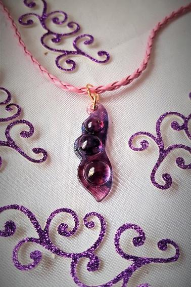 collier pendentif en résine