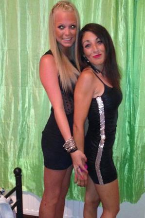 2 femmes superbes