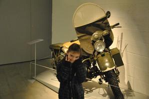 photos du musee de la guerre 40 45 a bastogne.avec ma familles et ma meilheure amie adoree..