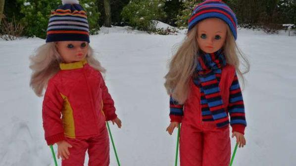 Les filles sont parti faire du ski en duo (suite)