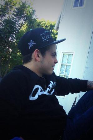 16/09/2013 - Photos des garçons, postées récemment à Los Angeles
