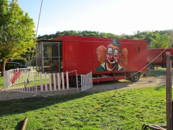 Cirque FLOYD LANDRI , la cage des fauves  !!!