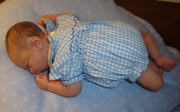 UNE BIEN GENTILLE BABY SITTER.......QUE NOTRE FLORENCE.