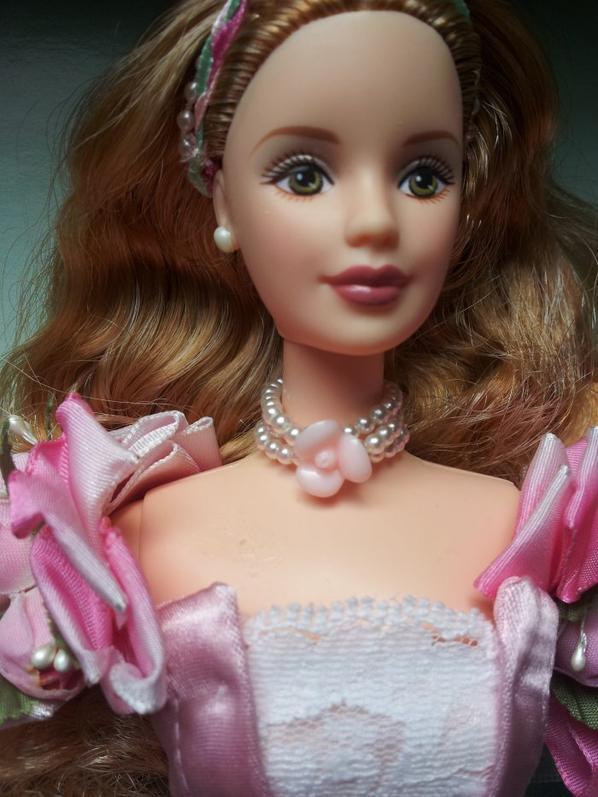 °° Barbie a garden of flowers (1999) °°