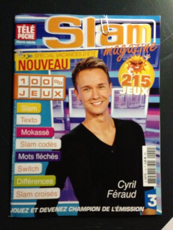 Cyril Féraud offre son magazine en cadeau à Romano !