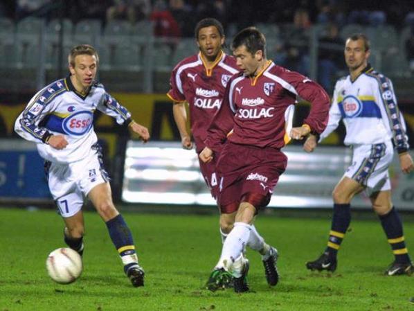 Maillot porté par Mickael PAGIS saison 2001/2002