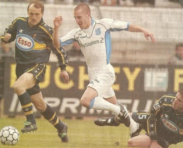 Maillot third porté et signé par Mickael Pagis saison 2001/2002