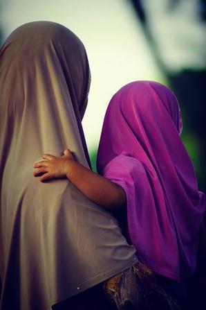 La femme est éduquée trois fois dans sa vie : par ses parents, son mari et ses enfants ♥