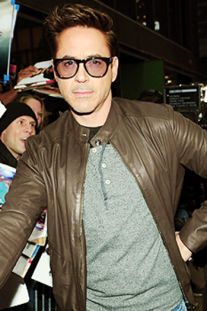 Rob' Arrives at GMA on April, 29