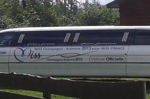 voila les deux limousine de mon père prête pour faire les miss franche