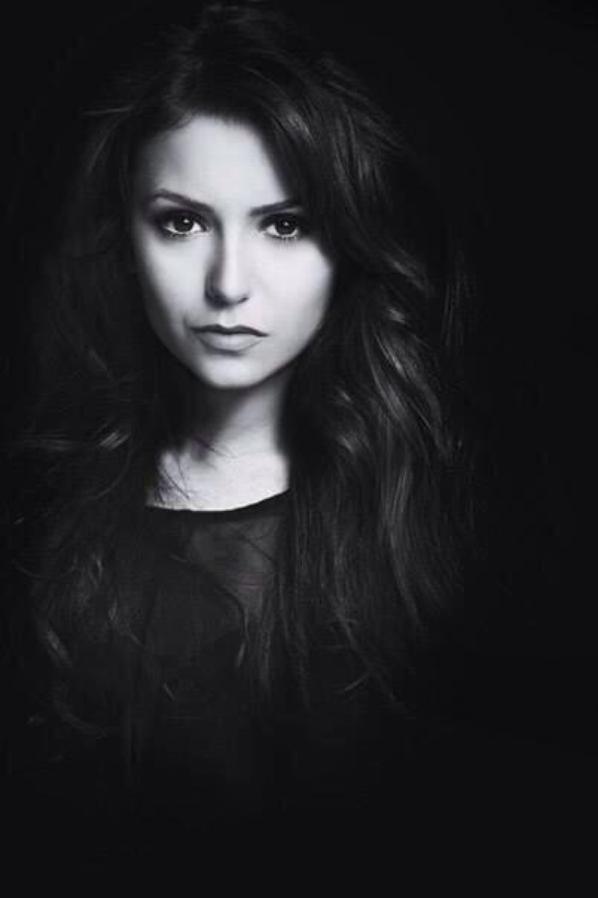 Nina Dobrev (4)