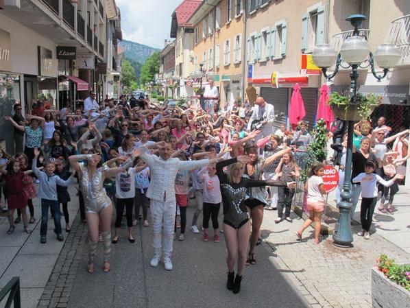 Dimanche 5 juin 2016 HAUTE-SAVOIE Sallanches: les Choucas tournent en ville
