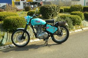 ROYAL ENFIELD OLD SCHOOL