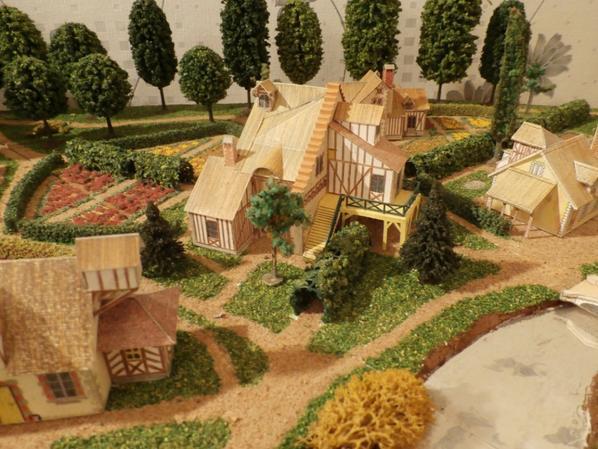 hameau Marie-Antoinette; la grange ou salle de bal détruite sous le 1er empire