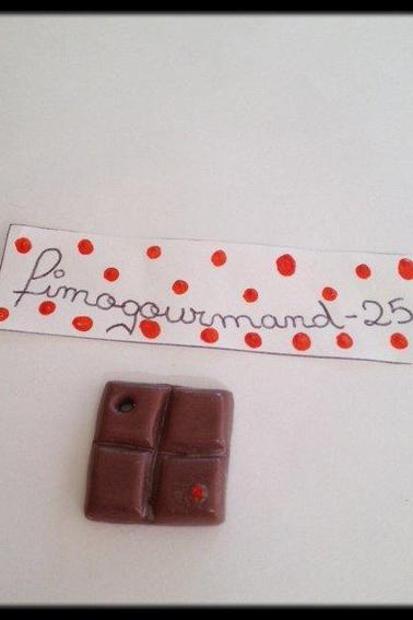 Tablettes au chocolat avec stras ( pendentif )