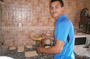 goutè algerienne mdrr il s'apelle msaman