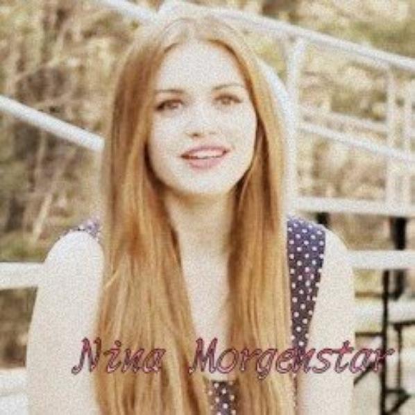 Nina Morgenstar et Mya Lowell les deux peste du lycée et ennemi d'Emma ...