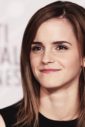 """""""Elle est plongée dans ce monde irréel"""" Emma Watson"""
