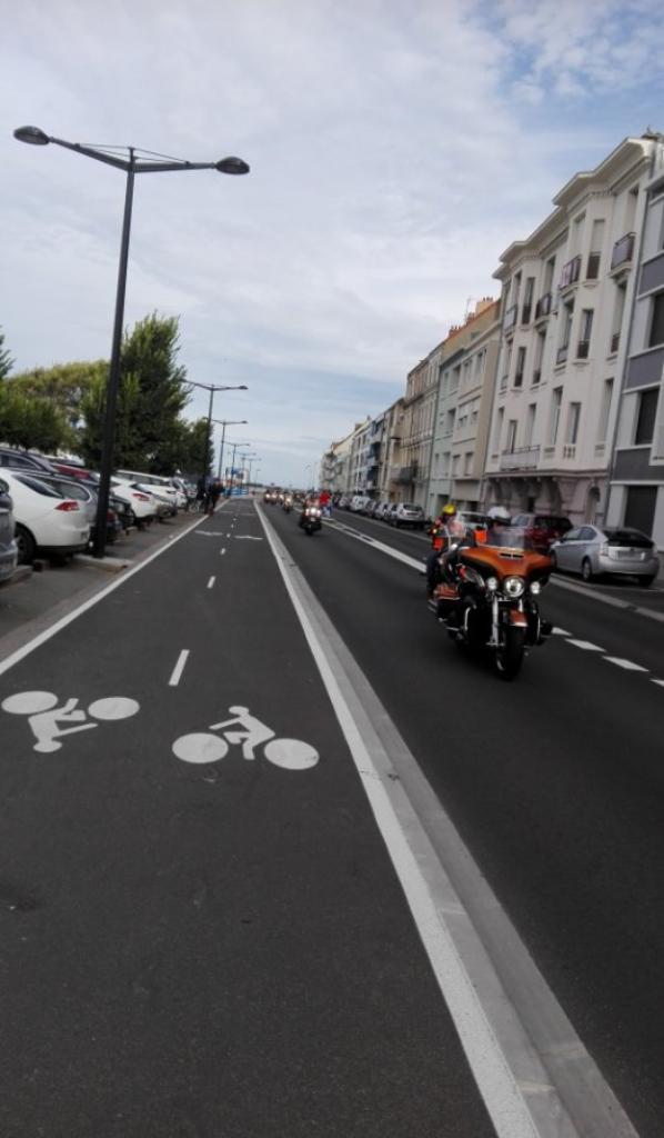 ce matin Boulevard Saint Beuve ils arrivent