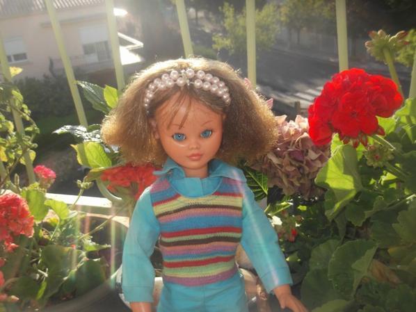 Ma petite Marion de Bella est timide mais elle vous souhaite un agréable vendredi