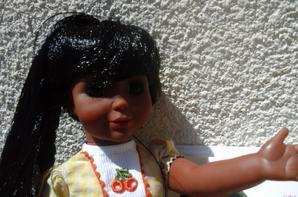 """Autant en emporte......Tara , joli jeu de mot, En hommage au tres beau film """" Autant en emporte le vent """" dont le domaine s 'appelait """" Tara """" tout comme cette tres originale et rare poupee ; donc je vous présente la tres jolie Tara d'Ideal Toys"""
