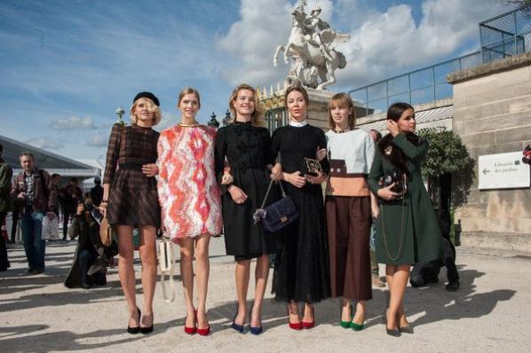 Apparition: Arrivé de Valentino à Paris: Septembre 2012 ; Fashion Week 2012 : Septembre 2012 ; Vidéo: Bande-annonce de Belle du Seigneur