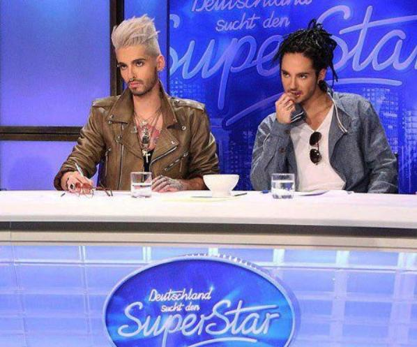 _ Bill & Tom _ Casting DSDS ; Berlin - Allemagne _ (09/10/2012) ***