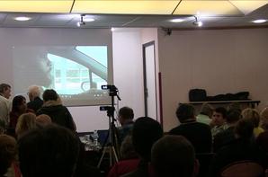 Diffusion du clip 'L'Abduction' en ouverture de la conférence du docteur David Jacobs