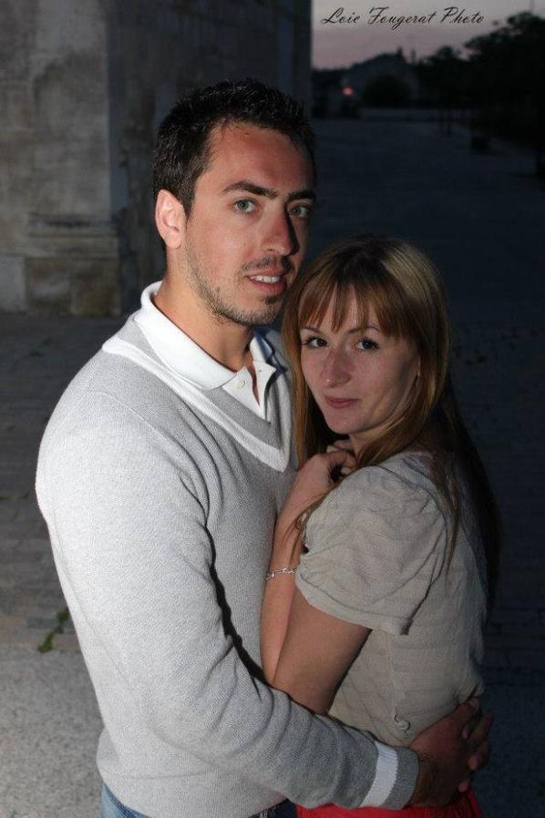 Shooting photos couple