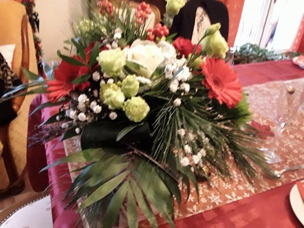 Un très  joli  bouquet  de fleurs de Noël