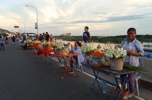 Vientiane - Bord du Mékong - Statue du roi Chao Anouvong