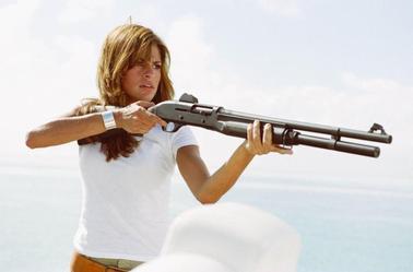 Eva Mendes dans le rôle de ADALINA