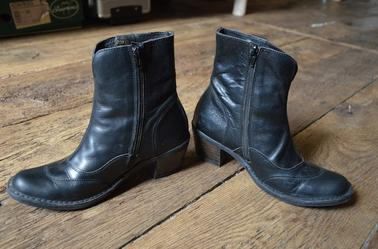 VENDU Bottines KICKERS