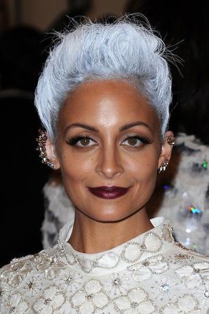 Beauté de stars : Rihanna, Kate Moss, Lady GaGa : elles sont toutes fans des cheveux gris !