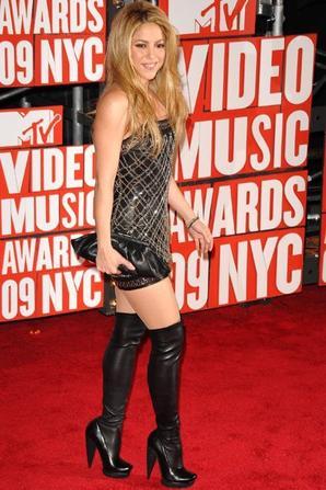 P!nk VS Shakira•
