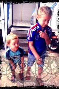 jason et nathan vacance hastiere juillet 2012