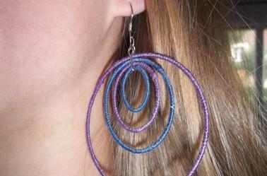 DIY : donner un coup de jeune à de vieilles boucles d'oreilles